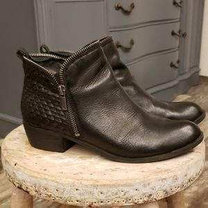 Lucky Brand bartalino black leather ankle boots 8